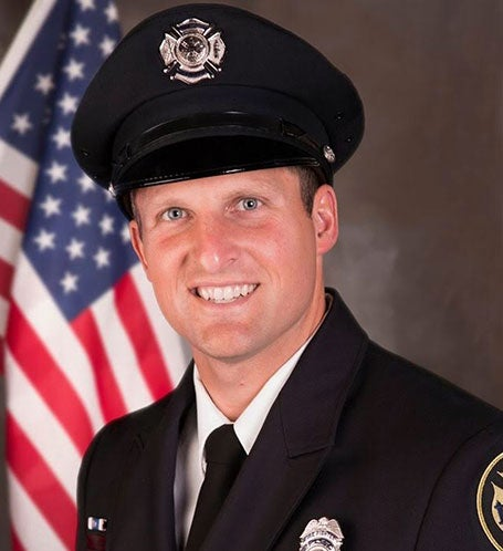 Support fallen Firefighter Lundgaard's Family Photo